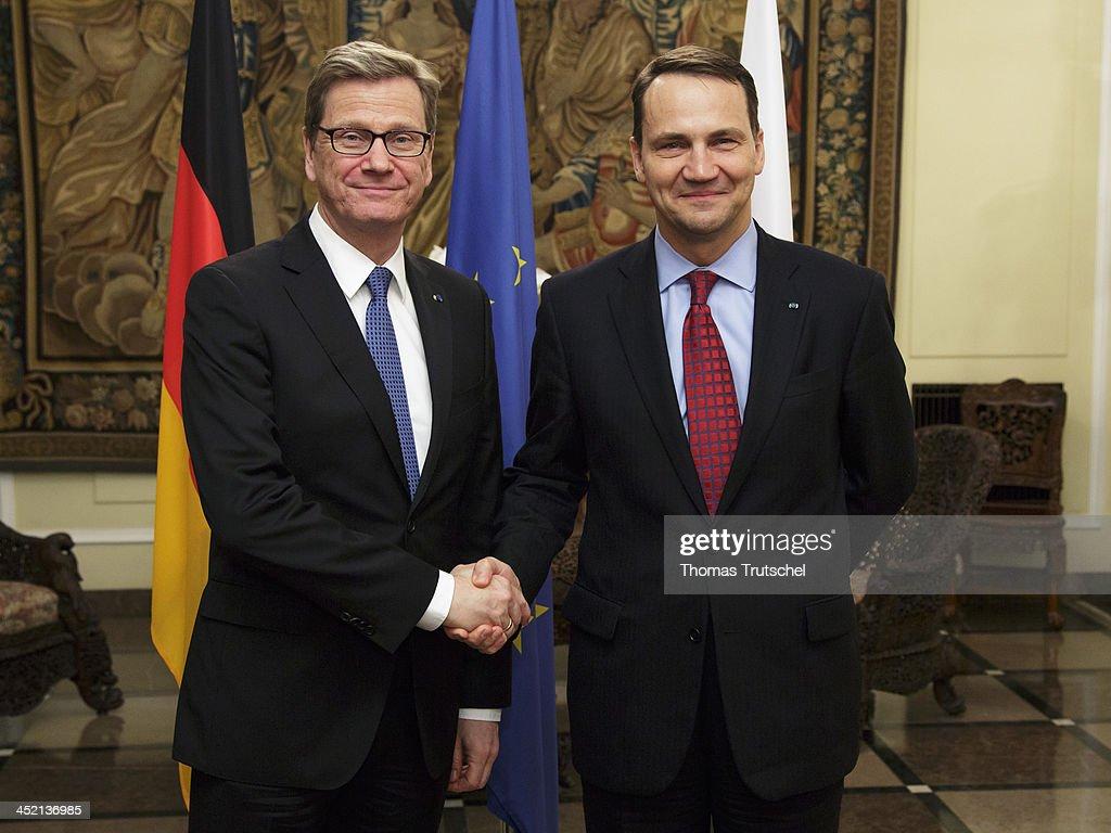 German Foreign Minister Receives Highest Polish Medal