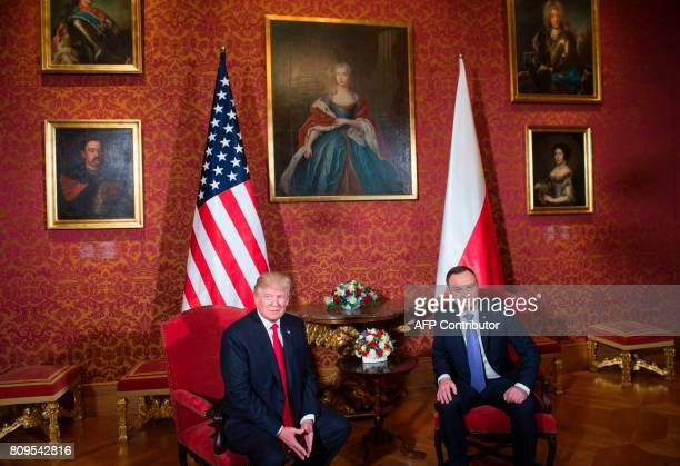 Polish President Andrzej Duda and US President Donald Trump hold a meeting at the Royal Castle in Warsaw Poland July 6 2017 / AFP PHOTO / SAUL LOEB