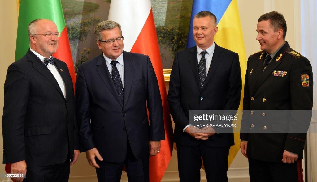 POLAND-LITHUANIA-UKRAINE-DEFENCE : News Photo