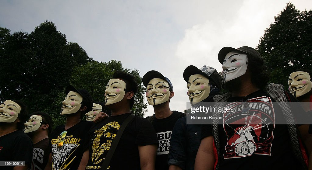 Opposition Supporters Protest Against Malaysian Election Results : News Photo