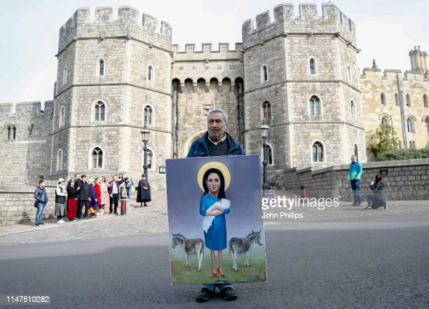 Political artist and painter Kaya Mar outside Windsor Castle on May 7 2019 in Windsor United Kingdom Meghan Duchess of Sussex gave birth to a baby...