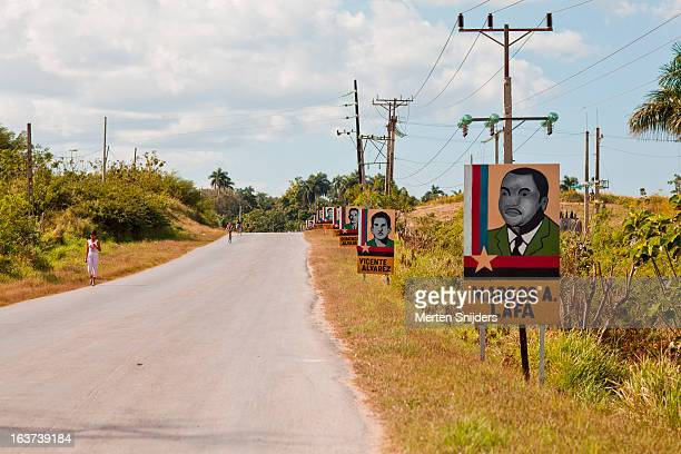 political portraits on the road side - merten snijders 個照片及圖片檔