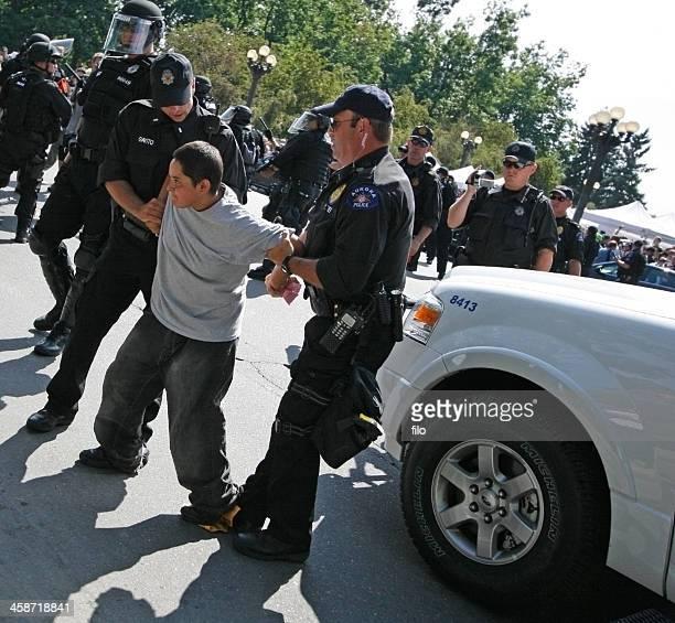 political rally arrest - denver police stockfoto's en -beelden