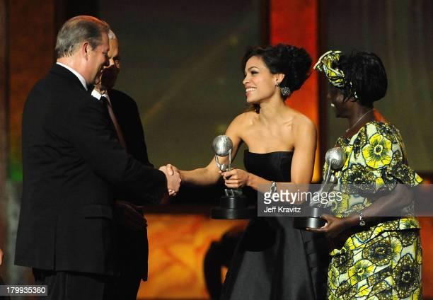 Politician Al Gore Rosario Dawson and Dr Wangari Maathai onstage at the 40th NAACP Image Awards held at the Shrine Auditorium on February 12 2009 in...