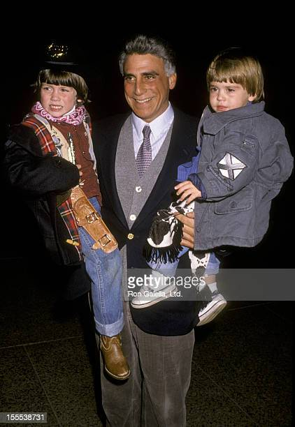 Politician Andrew Stein and children attend the performance of The Apple Circus on November 3 1989 in New York City