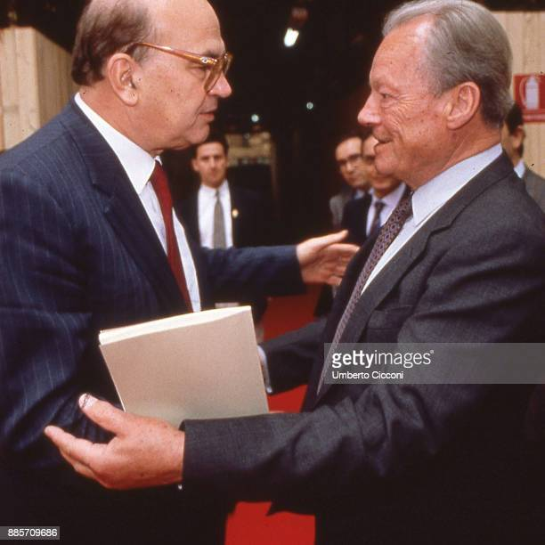 Politician Bettino Craxi talks to German politician Willy Brandt Berlin 1989