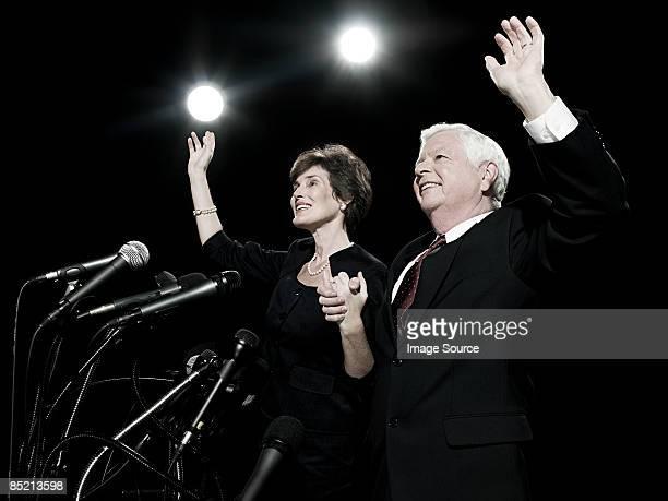 politicians waving - president fotografías e imágenes de stock