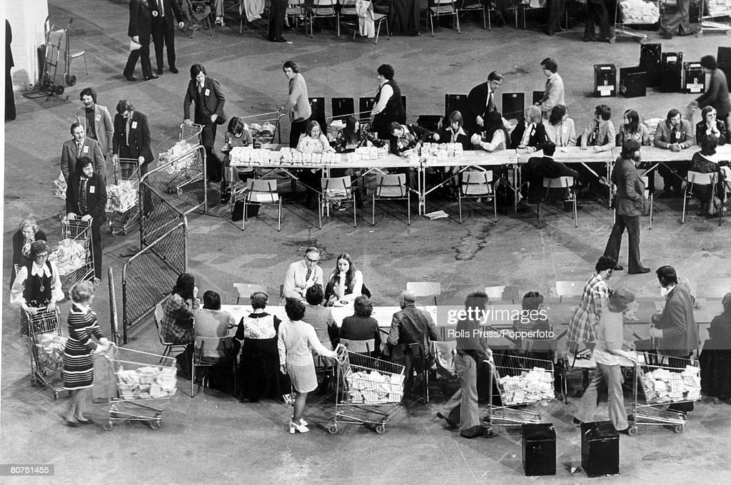 Politics 6th June 1975. London. Supermarket trolleys are used to help count the votes at Earls Court, London after the Common Market Referendum vote. The Common Market referendum was due to be held on 5th June 1975. : News Photo
