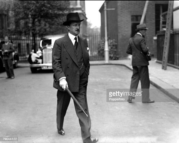 """Politics, England, Circa 1938, Mr, Duff Cooper, First Lord of the Admiralty, who resigned because of his """"profound distrust of the foreign policy"""""""