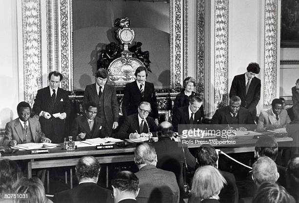 Lancaster house agreement stock photos and pictures getty images politics london england britian and leaders of rhodesias parties sign the historic ceasefire and constitutional agreement platinumwayz