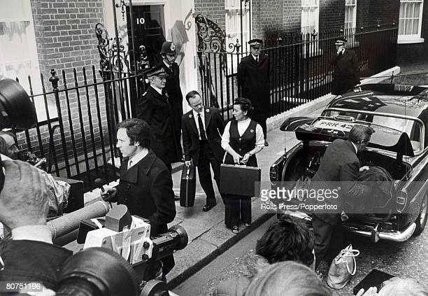 Politics London England The personal belongings of out going Prime Minister James Callaghan are taken out of number 10 Downing Street and placed in a...