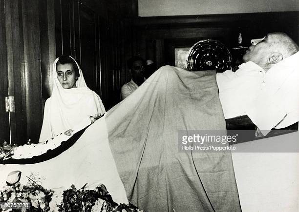 May 1964 Southampton England Mrs Indira Gandhi with body of her dead father before his removal for the traditional funeral by fire