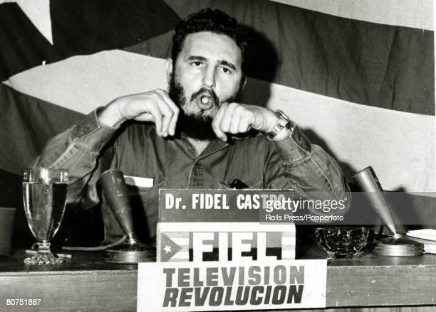 Politics / Revolution, Personalities, pic: circa 1961, Cuban leader Fidel Castro delivers a vehement speech attacking the US in a Havana TV,studio,...