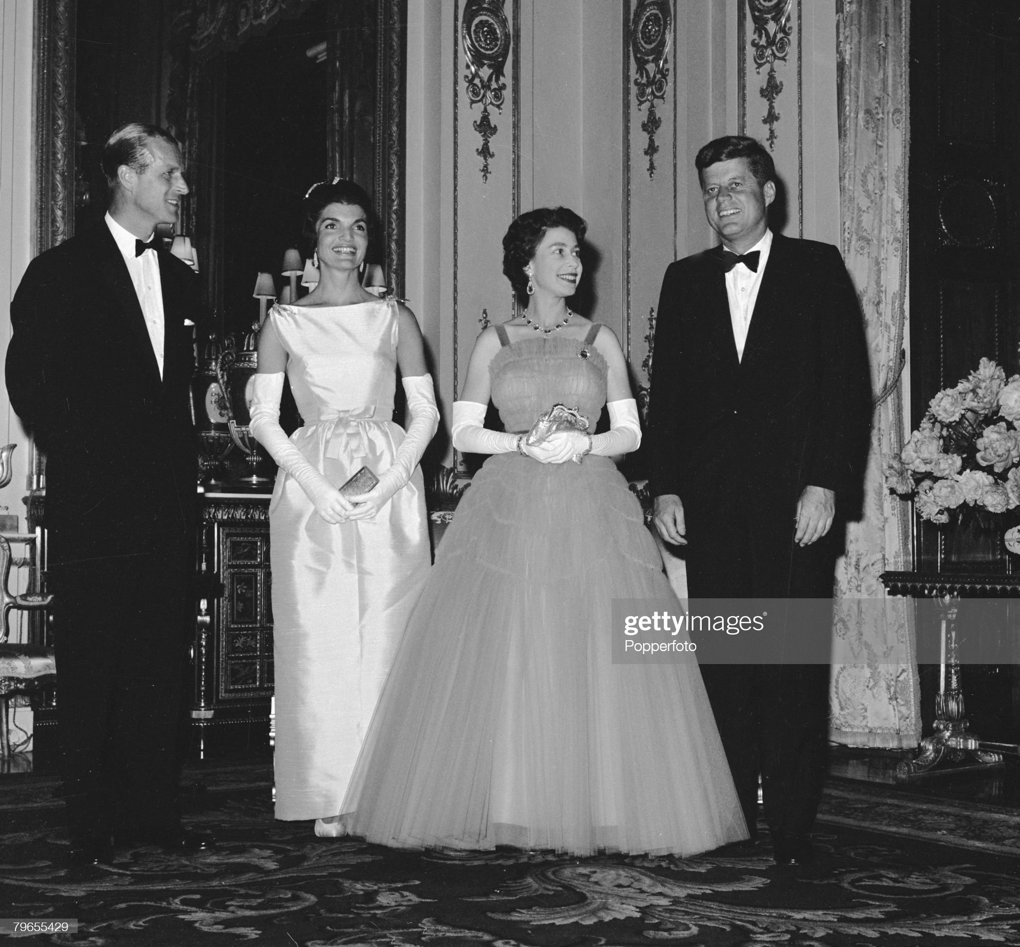 Politics, Royalty, Buckingham Palace, London , England, 15th June 1961, Prior to a banquet in honour of the President of the United States, HRH Queen Elizabeth II ( second right) with Prince Philip ( far left) together with American President John F, Kenn : News Photo