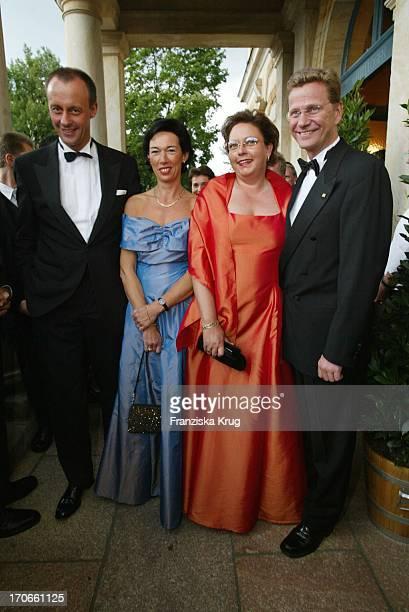 Politiker Cdu Friedrich Merz Ehefrau Charlotte Politiker Fdp Guido Westerwelle Mit Ute Spangenberg Bei Eröffnung Bayreuther Festspiele