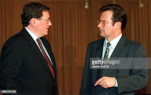 Politiker, FDP, D Bundesaußenminister - trifft den amerikanischen Vermittler im Bosnien-Konflikt Richard C. Holbrooke - 00.02.1996