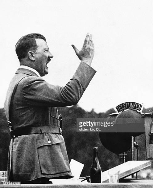 Politiker NSDAP D während einer Rede 1933