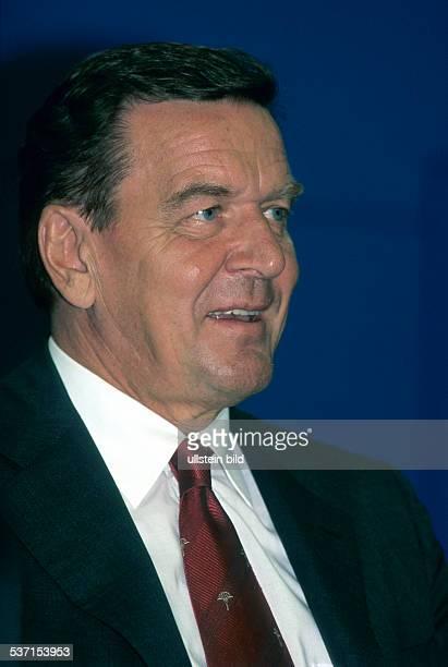 Politiker, SPD; D Bundeskanzler, - Porträt - September 1999