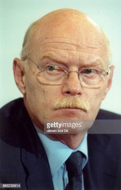 Politiker SPD D parlamentarischer Geschäftsführer der SPDBundestagsfraktion Porträt