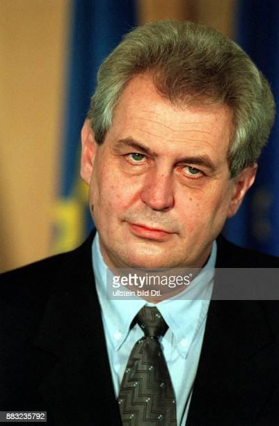 Politiker Tschechien Vorsitzender der Sozialdemokratischen Partei Ministerpräsident Porträt
