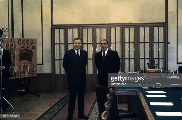 Politiker UdSSR Generalsekretär der KPdSU 196482 Staatschef 197782 LB mit seinem Außenminister Andrej Gromyko im Kreml in Moskau 041981
