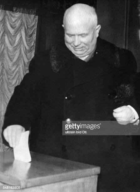 17041894 Politiker UdSSR Stimmabgabe zur Wahl des Obersten Sowjet der RSFR in Moskau