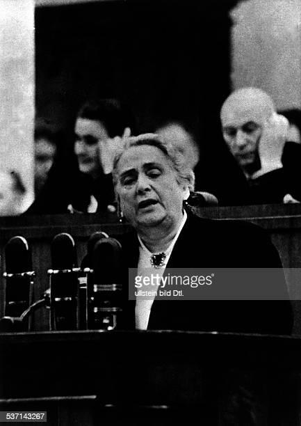 *1895 Politikerin Kommunistin Spanien 'La Pasionaria' spricht im Moskauer Exil beim XX Parteitag der KPdSU 1956