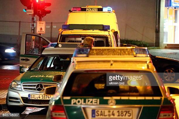 Polizei vollstreckt Haftbefehle gegen mutmaßliche DrogendealerSaarbrücken Drei 27 34 und 54 Jahre alte Männer aus Neunkirchen wurden am Freitagabend...