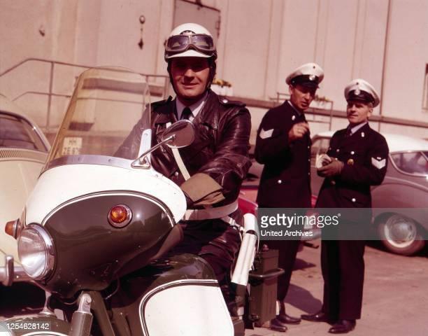 Polizeifunk ruft, Fernsehserie, Deutschland 1966 - 1970, Regie: Hermann Leitner, Darsteller: Karl Heinz Heß .