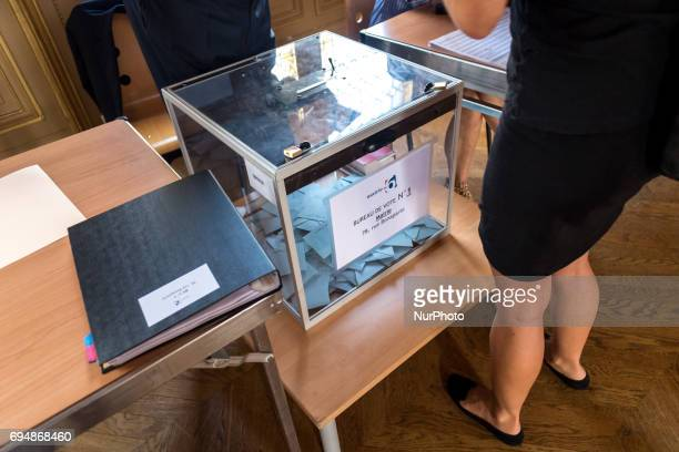 Polling station of the townhalls of the 6th and 7th district of paris, in the Legislatives election on June 11, 2017 in Paris, France.