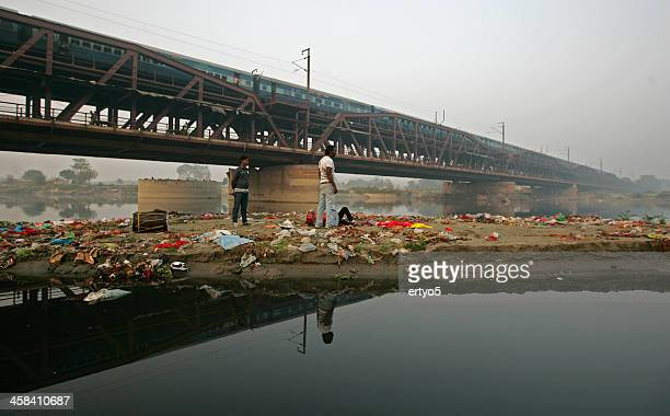 polluted yamuna river - delhi stock pictures, royalty-free photos & images