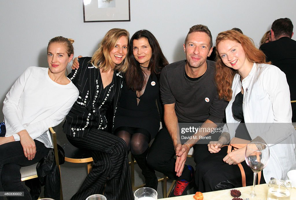 Polly Morgan, Danielle Sherman, Ali Hewson, Chris Martin and Lily Cole attend the Edun Pre Fall Dinner at Alison Jacques Gallery on December 11, 2014 in London, England.