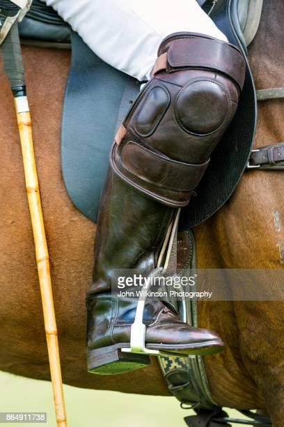 polo closeup of boot - jogo de polo - fotografias e filmes do acervo