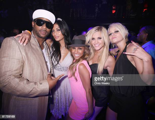 ACCESS*** Polo Nicole Scherzinger Melody Thornton Ashley Roberts and Kimberly Wyatt of the Pussycat Dolls attend Scherzinger's birthday at LAX...