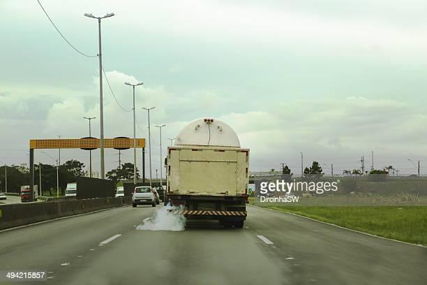 poluição - pollution - poluição fotografías e imágenes de stock