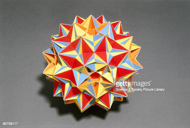 A polyhedron is said to be uniform when all its faces are regular polygons and all its vertices are surrounded by similar polygons arranged in the...