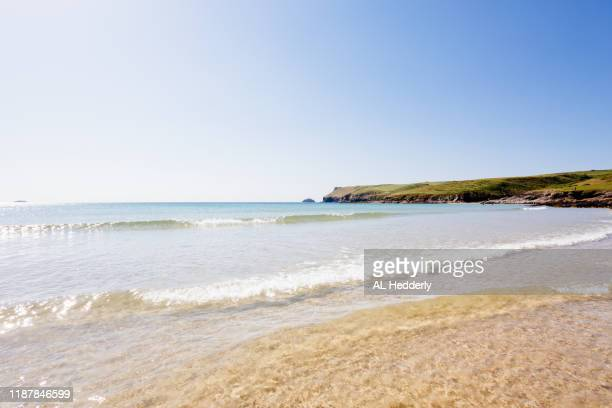 polzeath beach in june - horizon over water stock pictures, royalty-free photos & images