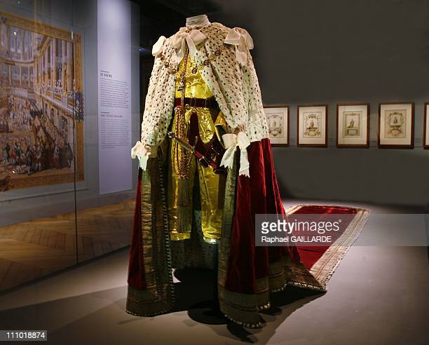 Pomp and ceremonies of the royal court' exhibition at Versailles Castle in Versailles France on January 04th 2009 Coronation mantle of King George...