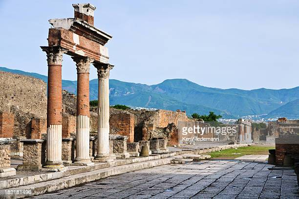 pompeii ruins - pompeii stock photos and pictures
