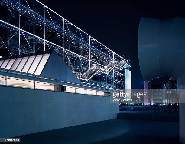 Pompidou Centre Paris France Architect Renzo Piano Building Workshop/Richard Rogers Partnership Pompidou Centre Piano And Rogers