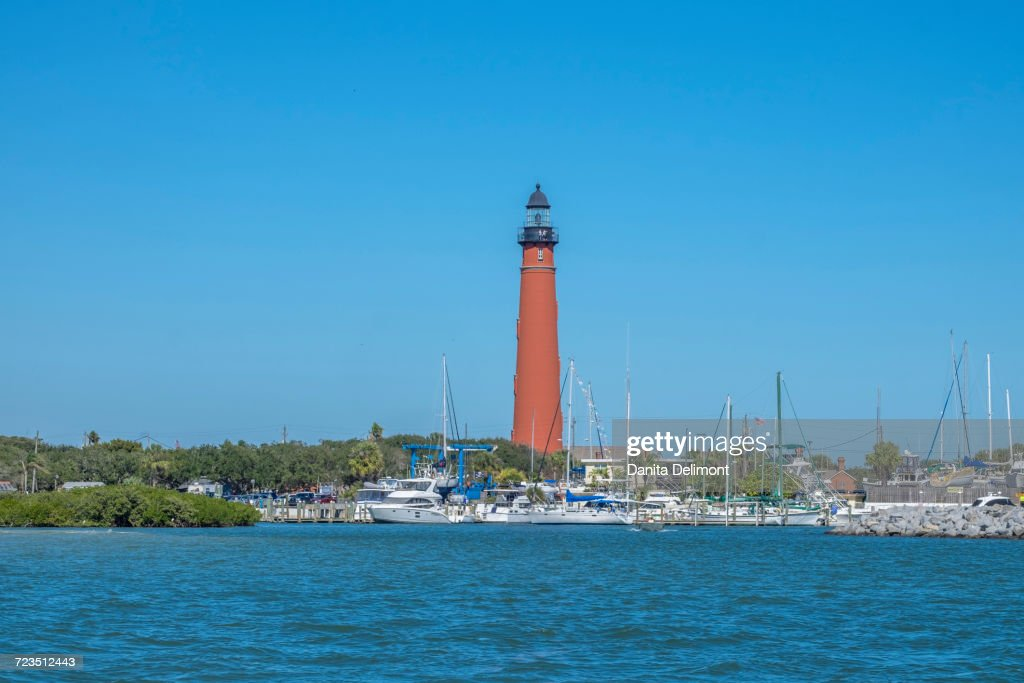 Ponce De Leon Lighthouse By Sea Ponce Inlet Florida Usa High Res Stock Photo Getty Images