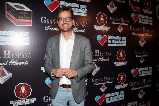 MEX: 'Grandeza Hispana' 2021 Awards - Red Carpet