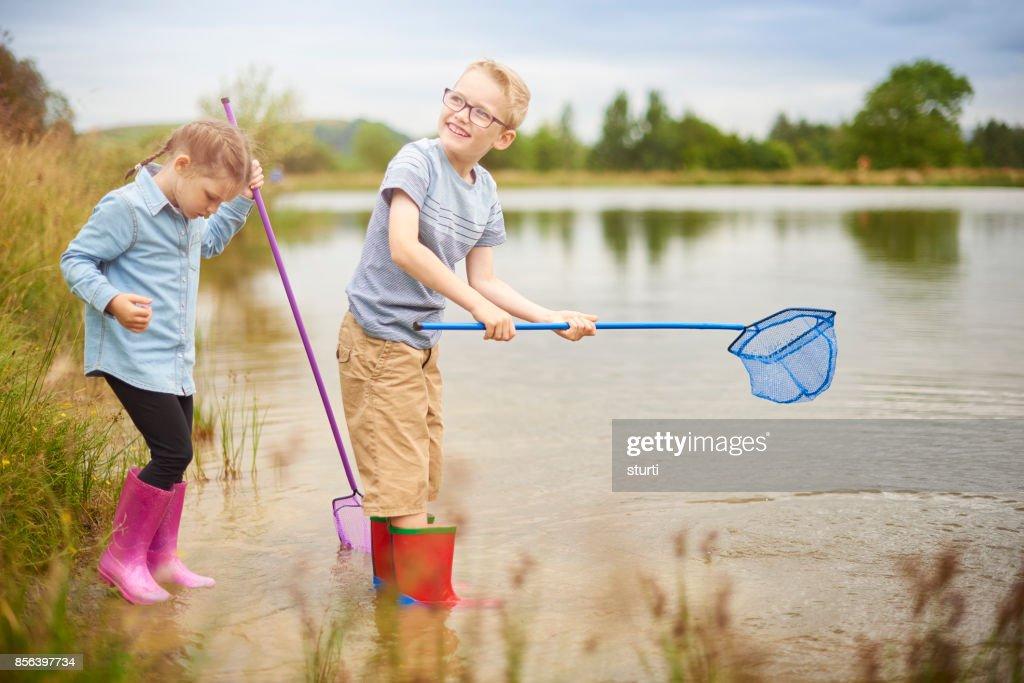 Teich tauchen Kinder : Stock-Foto
