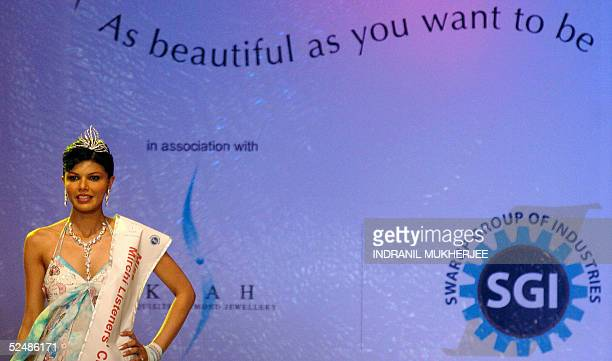 Pond's Femina Miss India 2005 Miss Listeners Choice Shibani Sabikhi walks on stage during the finals of the beauty pageant in Bombay late 27 March...