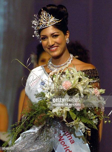 Pond's Femina Miss India 2005 World first runnerup Sindhura Gadde walks down the stage after her crowning at the beauty paeganat in Bombay 27 March...