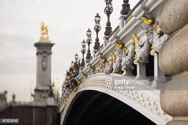 pont alexander iii paris - pont alexandre iii photos et images de collection