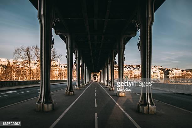pont de bir hakeim, paris - ile de france photos et images de collection