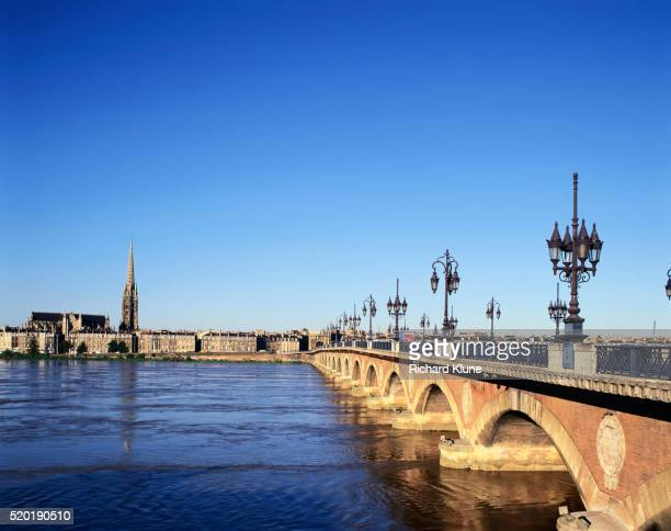 Pont de Pierre over River Garonne
