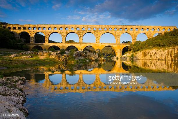 pont du gard, france - pont du gard stockfoto's en -beelden