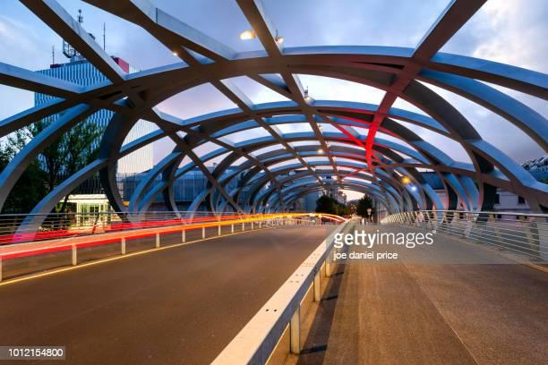 pont hans-wilsdorf, geneva, switzerland - genève zwitserland stockfoto's en -beelden